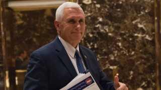 Mike Pence har ført valgkamp side om side med Donald Trump og skal være vicepræsident.