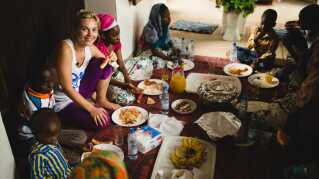 Mille Gori er ambassadør for SOS Børnebyerne og har været i Tanzania for at lave små julekalender-videoer til de danske skolebørn.
