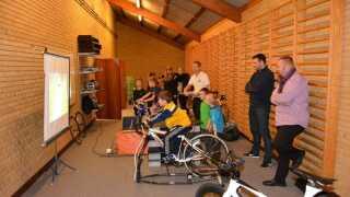 Til Åben Idræt i Hammel kan børnene blandt andet prøve en tur op ad Alpe d'Huez på motionscykel.