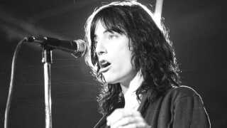 Patti Smith på scenen i 1976.