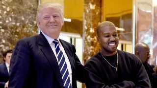 Kanye West er gift med Kim Kardashian, der bakkede op om Hillary Clinton ved valget.