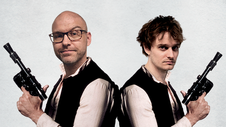 Elias Eliot og Jacob Hinchely poserer her som Han Solo for deres fælles podcast 'Han Duo', hvor de dyrker genrefilm, spil og tv-serier.