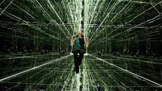 Når den kunstige intelligens viser sig at være fordomsfuld, så er det i virkeligheden et spejlbillede af os, forklarer Thomas Thomas Terney. Arkivfoto: Spejl-Cube på Kunsten i Aalborg, Henning Bagger/SCANPIX DANMARK 2011