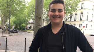 Antony de Peretti overvejer at stemme på Marine Le Pen fra det højrenationalistiske parti Front National.