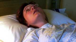 Vigdis Lysne rager ofte alle mulige sygdomme til sig. Her har hun lagt sig syg under en ferie i Egypten.
