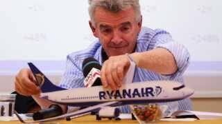 Ryanairs administerende direktør Michael O'Leary er kendt som en karismatisk og kontroversiel topleder. Under konflikten med den danske fagbevægelse, var han flere gange i Danmark for at lange ud efter modparten i konflikten.