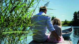 Merle og Peter på bådebroen.