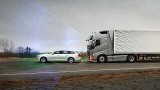 Lastbiler skal ifølge et EU-lovkrav være udstyret med automatiske nødbremser.