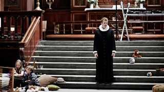Morten Hee Andersen spiller rollen som præstesønnen August, der forventes at gå i sine forfædres fodspor.