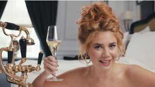 Et screenshot fra videoen med Paulina Rojinski.