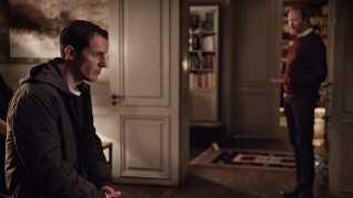 I dramaserien 'Herrens Veje' har Christian Krogh (Simon Sears) et mildest talt anstrengt forhold til sin far, provsten Johannes (Lars Mikkelsen).