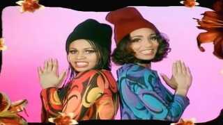 I 1993 blev Zindy Laursen en del af Cut 'N' Move, som allerede hittede med Thera Hoeymans som sangerinde. Cut 'N' Move vandt flere grammyer og hittede især i Tyskland, Australien og Storbritannien.