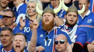 De islandske fans tog verden med storm ved EM for to år siden. Finder de på noget nyt til VM i Rusland?