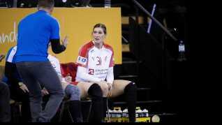 Landstræner Klavs Bruun Jørgensen virkede ikke helt tilfreds med Line Haugsteds præstation i VM-premieren mod Montenegro.