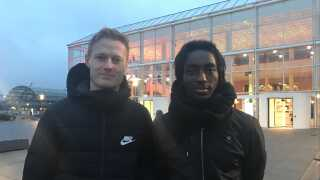 Fodboldspillerne Mads Hvilsom og Jeppe Simonsen er tilflyttere til Aarhus - og har ikke haft så meget andet i hovedet end fodbold, fortæller de.