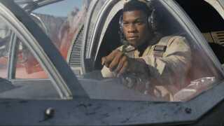 'The Last Jedi' er tilbage - blandt andet med den tidligere stormtropper, Finn (John Boyega). (Copyright 2017 Industrial Light & Magic, a division of Lucasfilm Entertainment Company Ltd., All Rights Reserved)