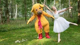 Bamse, Kylling og Ælling samt hele det originale hold bag Bamse er atter samlet. Nu bliver Bamse til en tv-film med titlen 'Bamse møder den store verden', som kommer på DR Ramasjang.