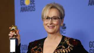 Skuespiller Meryl Streep er blandt de 300 kvinder fra underholdningsbranchen, der støtter det nye initiativ Time's Up, der blandt andet samler penge ind til ofre for seksuelle overgreb. Hun har meldt ud, at hun ifører sig sort tøj i aften.