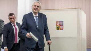 Milos Zeman har siddet på Tjekkiets præsidentpost siden 2013 og er favorit til at tage fem år mere.