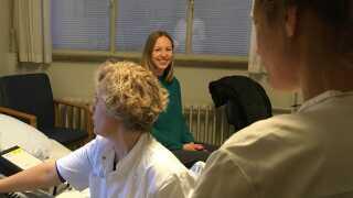Sofie Mikkelsen er til tjek på sygehuset i Viborg en gang om måneden.