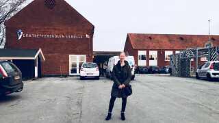 """Karina Pedersen besøger gerne efterskolen for eksempel, når der hvert år er """"Gammel Elevdag""""."""
