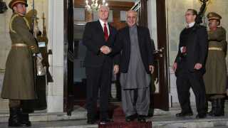 Den amerikanske vicepræsident, Mike Pence, var i december sidste år på besøg hos præsident Ashraf Ghani i Kabul, Afghanistan.