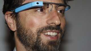 Google Glass blev aldrig det store sus. Her ses Googlestifter Sergey Brin med den særlige gadget på.