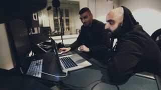 Sivas og Reza har arbejdet sammen på numre som 'D.A.U.D.A.' og 'Jaja'.
