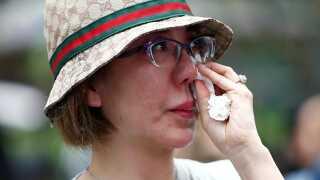 Et familiemedlem mindes de 239 personer, som mistede livet i styrtet.