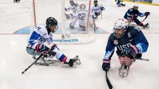 Nikko Landeros i aktion mod Sydkorea i kampen, som USA vandt 8-0.