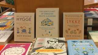 Det er ikke kun hygge, de sælger hos amerikanske boghandlere. Bøger om lykke og svenske fænomener som 'lagom' og 'döstädning' er også oversat til engelsk.