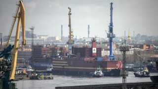 Akademik Lomonosov forlader Sankt Petersborg den 28. april 2018.