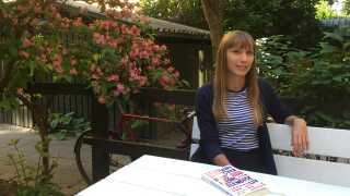 Caroline Ørsum debuterede i 2009 og har udgivet en række 'young adult'-romaner, blandt andet en krimiserie, som hun har skrevet i samarbejde med to andre forfattere.