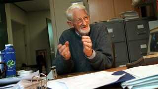 Jens Christian Skou på kontoret på Aarhus Universitet i 1997.