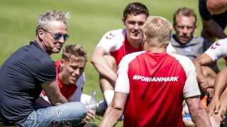 Thomas Helmig besøgte de danske fodboldherrer i deres træningslejr så sent som i onsdags.