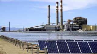 Fossile brændsler som olie, kul og gas skal udskiftes med grønne alternativer, hvis den globale opvarmning skal standses.