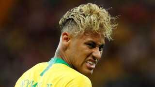 Mon ikke vi kan forvente os lidt lækkert fra manden med den anderledes frisure?