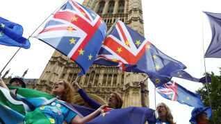 Brexit er stadig noget, der splitter briterne og som kan få dem til at gå på gaden.