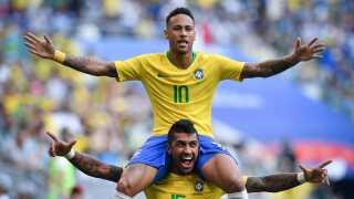 Brasilien har præsteret stabilet ved VM, uden at Neymar (øverst) har sprudlet endnu.