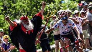 Julian Alaphilippe stjal djævlens trefork på 17. etape.