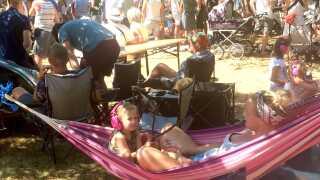 Ifølge festivalarrangøren er det primært det voksne publikum og børnefamilierne, som gæster Skarøfestivalen.