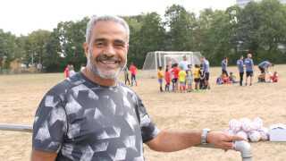 Gaith Bahij, der kendes som Res i klubben, er glad for tilbuddet om fodboldskoler til børn og unge i Vollsmose.