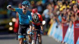 Efter 181,5 kilometer trådte Magnus Cort til på de sidste sekunder af den fire time lange cykeltur. Og vandt den 15. etape af årets Tour de France.