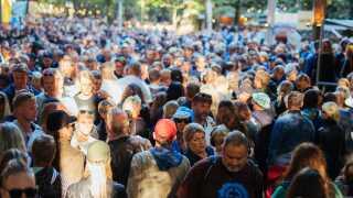 Det var trængsel flere steder på festivalpladsen lørdag, som nok er Smukfests travleste dag.