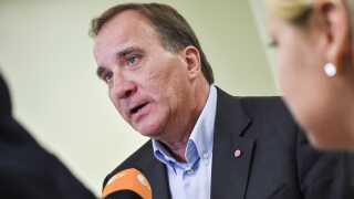 Den svenske statsminister, Stefan Löfven, har forsøgt at gøre valget til en afstemning om velfærden og ikke indvandring.