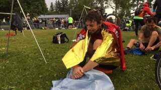 Tidligere på sommeren deltog han i X-Tri-løbet i Alaska, USA. Her var vandet så koldt, at han måtte kæmpe i 39 minutter for at få varmen, inden han kunne gå i gang med de 180 kilometers cykling.