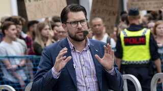 Jimmie Åkesson, der er leder af Sverigedemokraterne, har udtalt, at han går efter at gøre sit parti til Sveriges største.