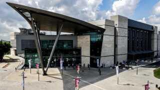 Tel Aviv Convention Center skal danne rammerne om næste års Eurovision.