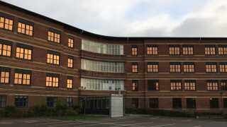 De røde bygninger har siden 1935 været amtshospital i Aarhus.