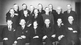 Anna Boesen var medlem af Vejle Byråd. Hun står på midterste række som nummer to fra venstre.